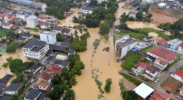 poema-sobre-enchentes-lamento-de-um-rio-professora