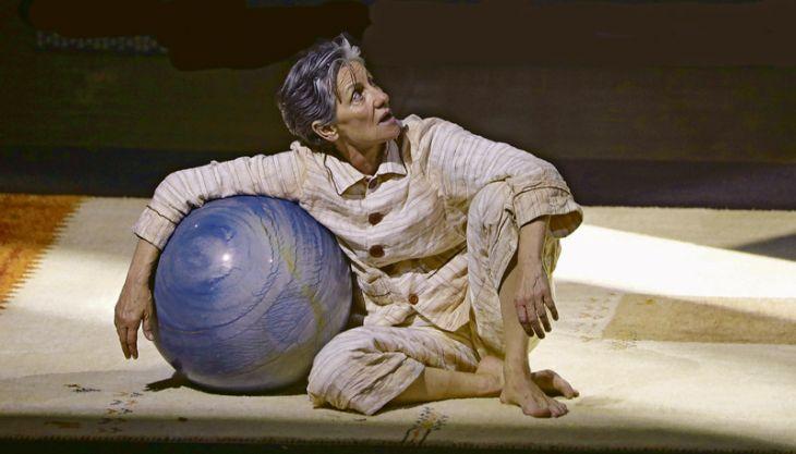 Cássia Kis monólogo poeta peça de teatro