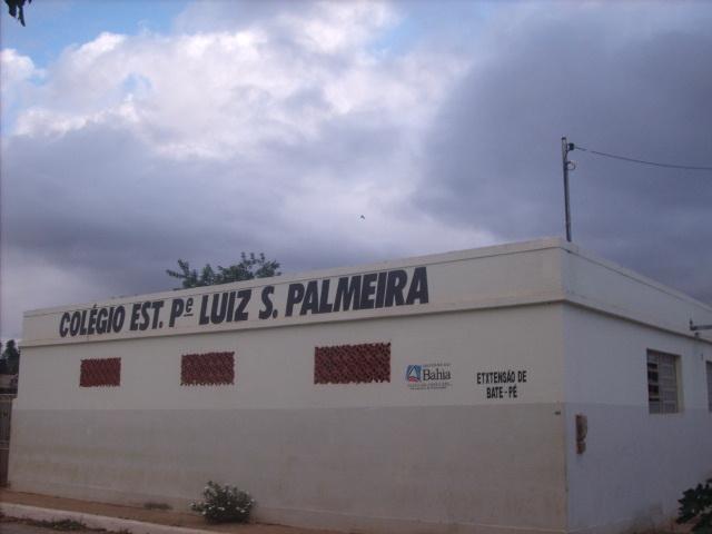 Em meio a quarentena, colégio na Bahia incentiva alunos com poesia