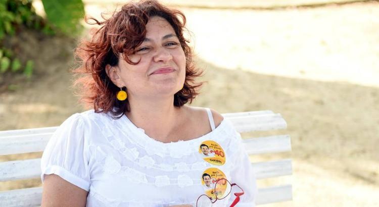 Cida Pedrosa: a ganhadora do Prêmio Jabuti 2020