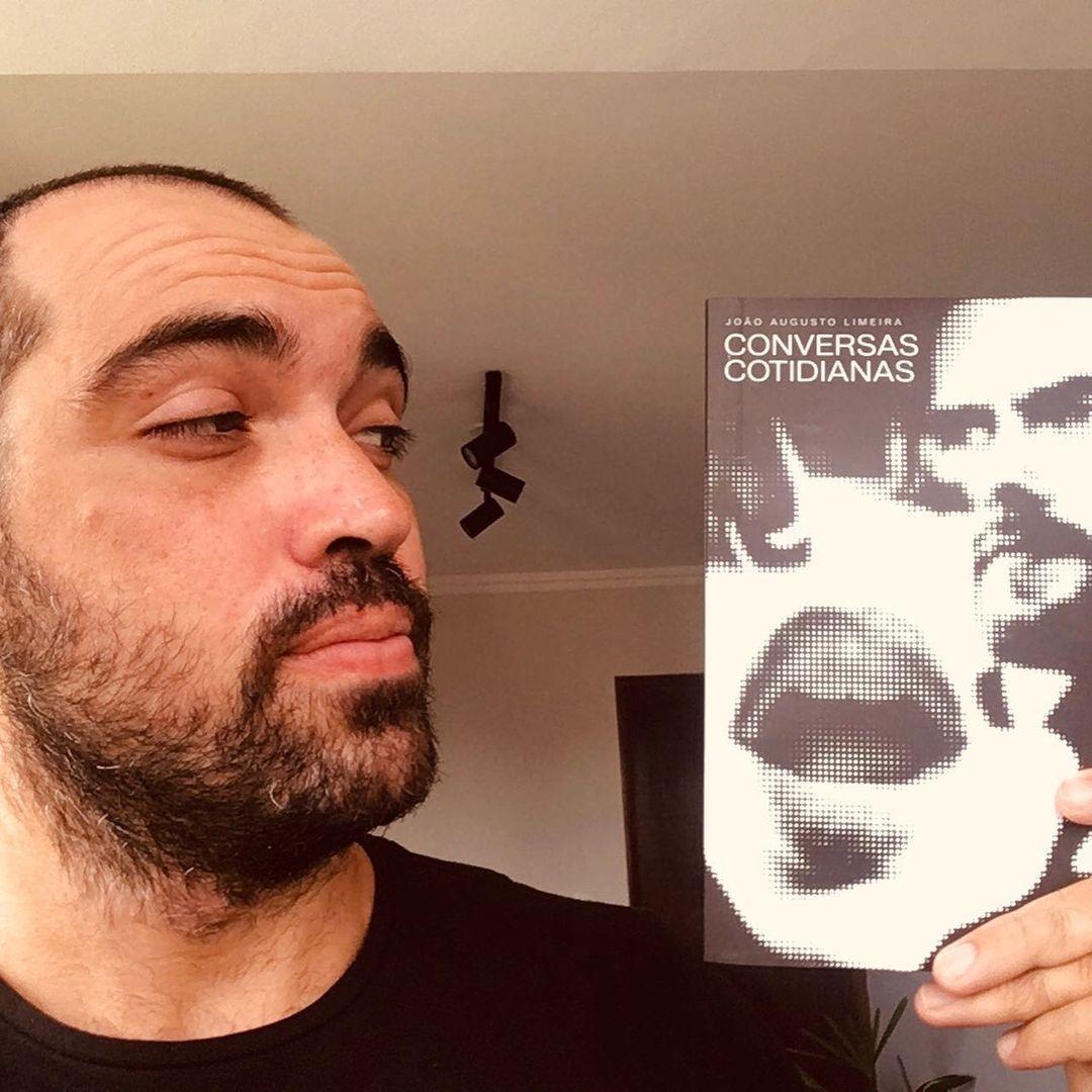 Autor natalense João Augusto Limeira, lança um livro de crônicas e poesias com olhar no dia a dia das ruas.