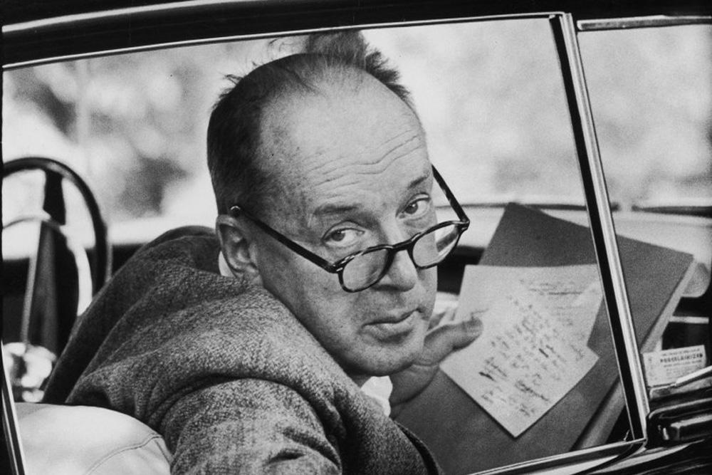 Poema inédito de Vladimir Nabokov sobre o Superman