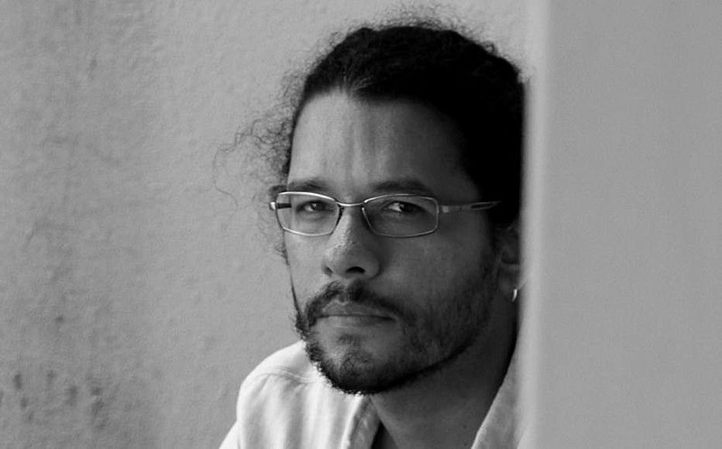 Professor da UFSCar publica livro de poesias em Portugal