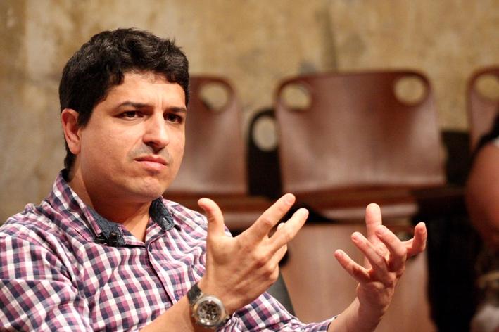Romancista Altair Martins lança seu primeiro livro de poemas