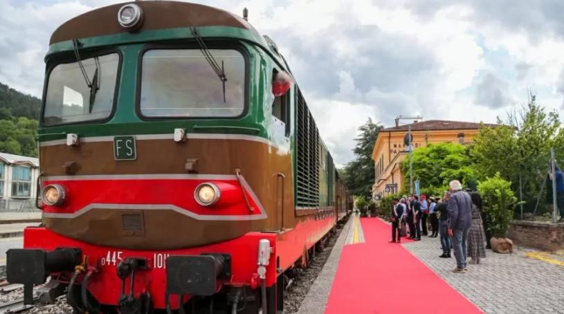 O Trem de Dante trem histórico refaz trajeto percorrido pelo poeta italiano