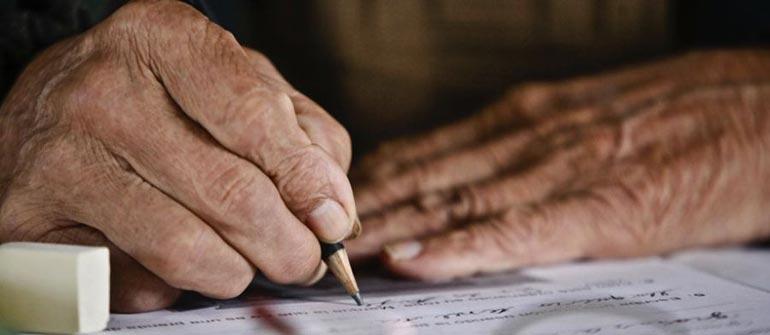 O poeta de 81 anos que mantém viva a tradição poética do Afeganistão