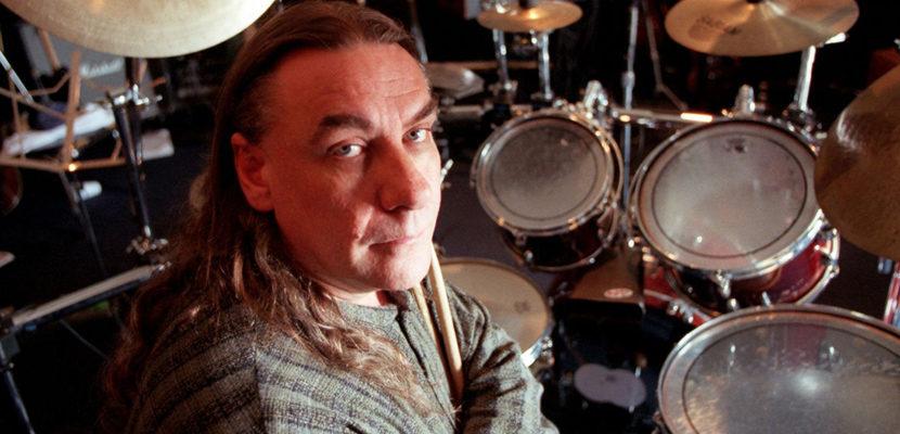 Bill Ward, baterista do Black Sabbath, compartilha poema sobre vítimas da covid-19