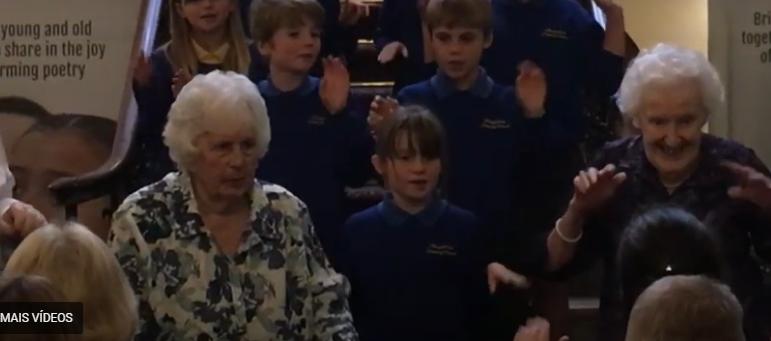 Poetry Together: poesia compartilhada entre crianças, idosos e o apoio da Duquesa da Cornualha