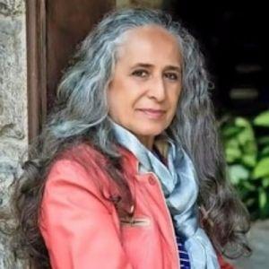"""""""Tabuleiro"""": novo podcast literário de Maria Bethânia"""